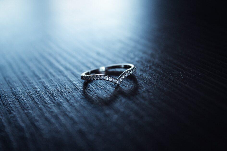 まとめ:ギャンブル依存症の夫と離婚するなら慎重に